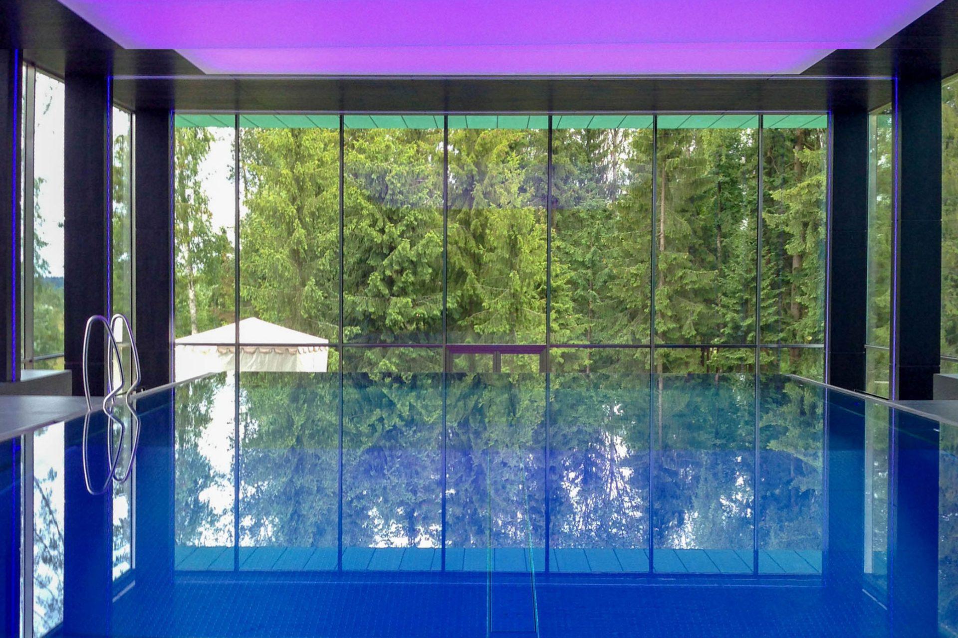 Частный бассейн со светящимся потолком Allpools