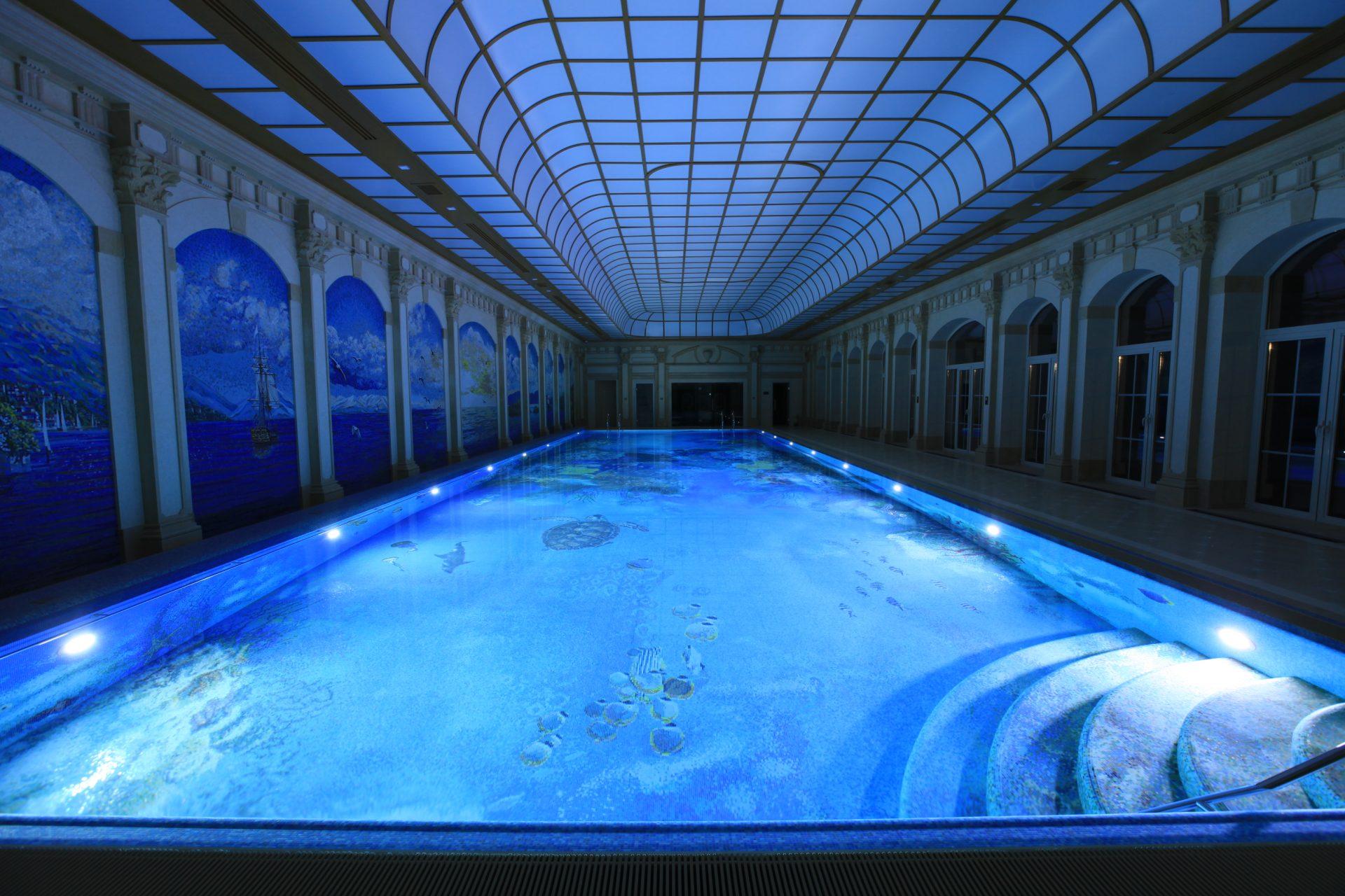 Сказочный бассейн с гидромассажной ванной, сауной и хаммамом Allpools