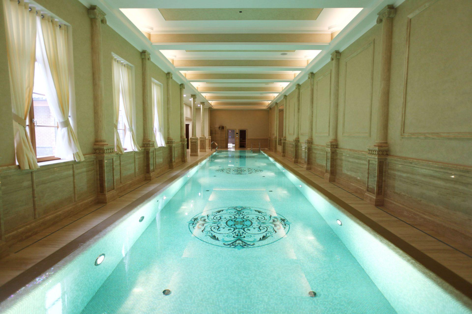 Частный бассейн 25 метров и джакузи с автоматическим покрытием для бассейна Allpools