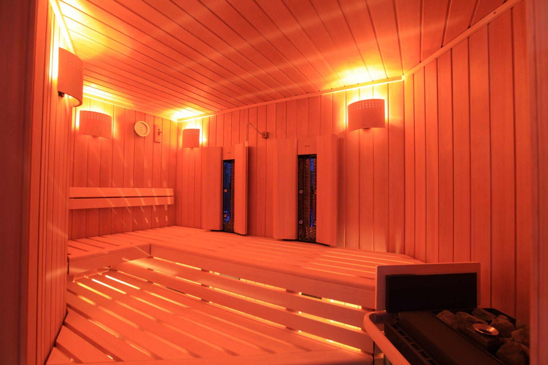 Уютная сауна с электрической печкой Allpools