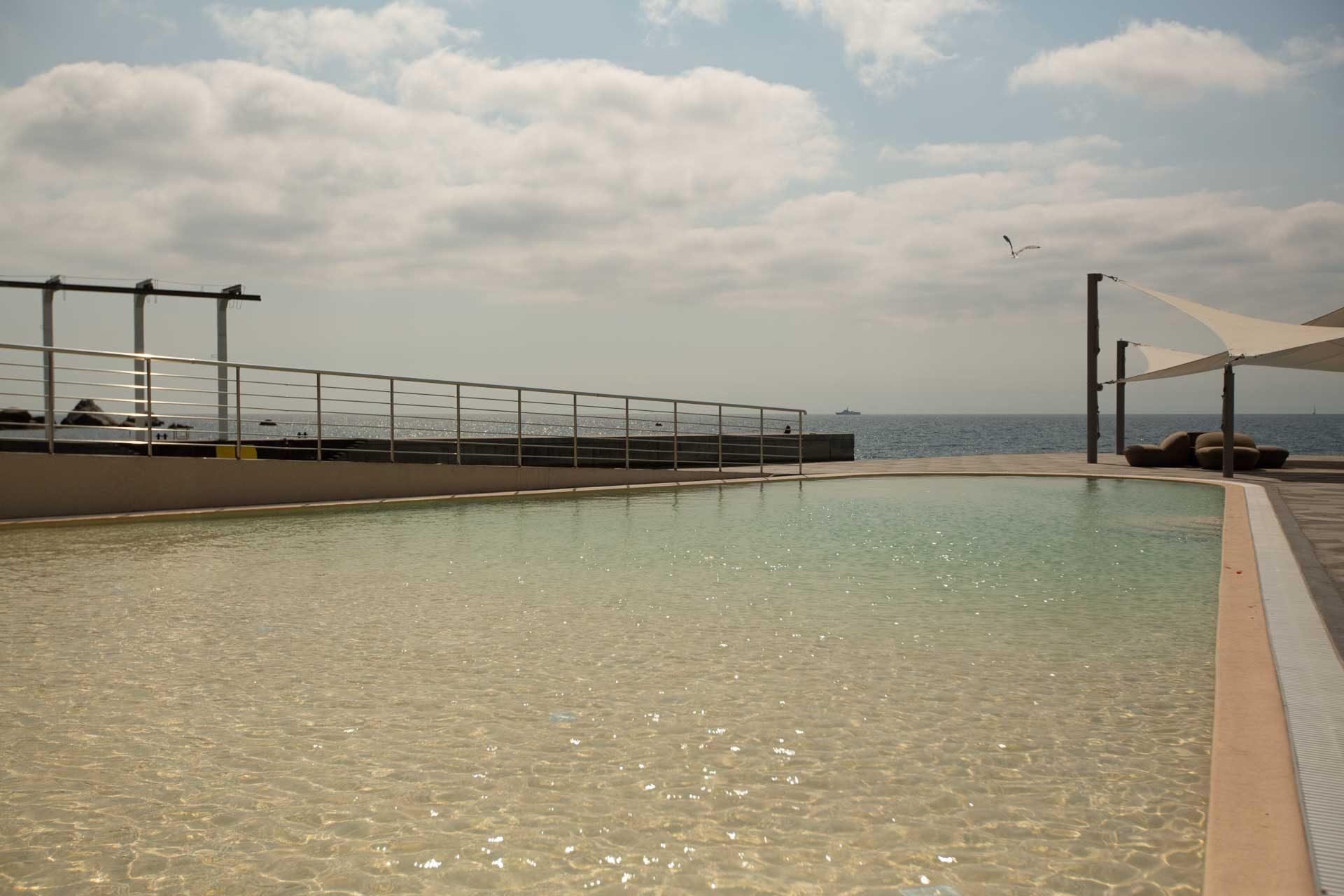 Детский бассейн с песчаной плёнкой на берегу моря Allpools