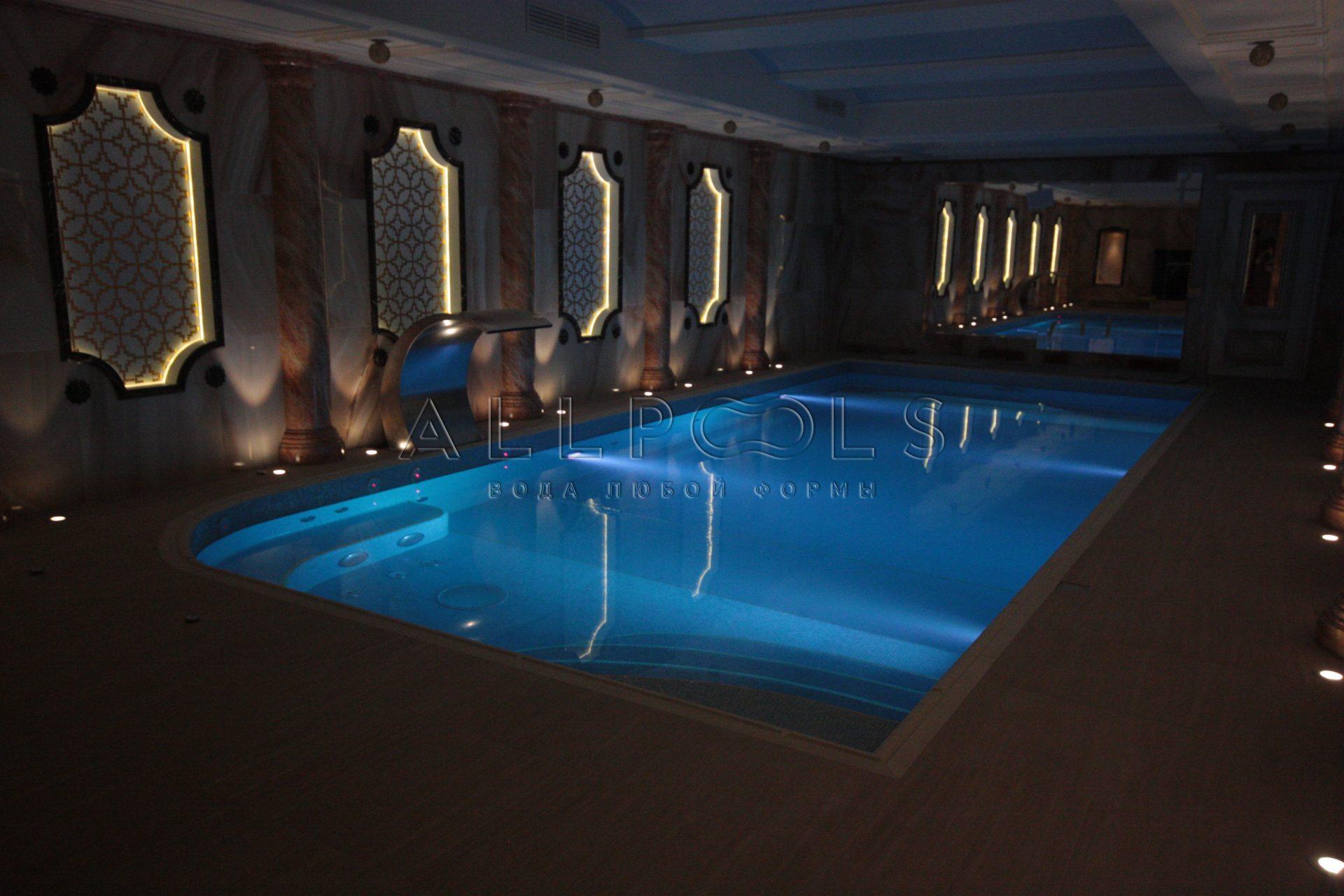 Освещение в частном бассейне в SPA зоне